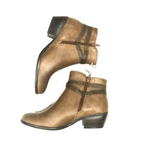 NWT!! Kim Rogers Brown Booties size 7